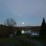moonrise_on_the_lake