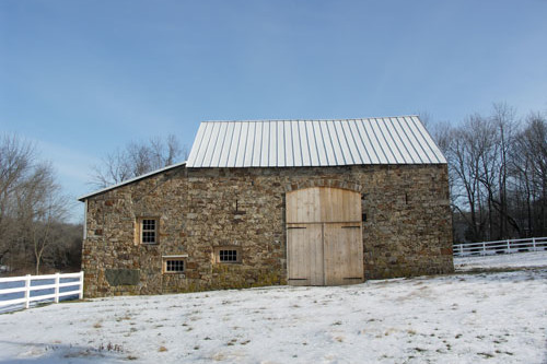 white_bridge_road_barn